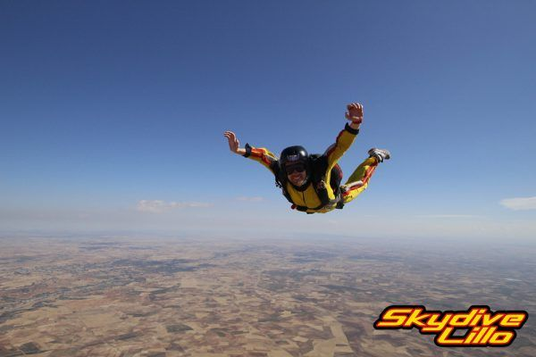 SKYDIVE TOUR IN TAXI (3)